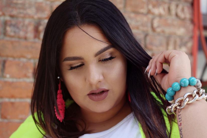 La Mejor Manera de Estilizar Neones + Maquillaje Natural